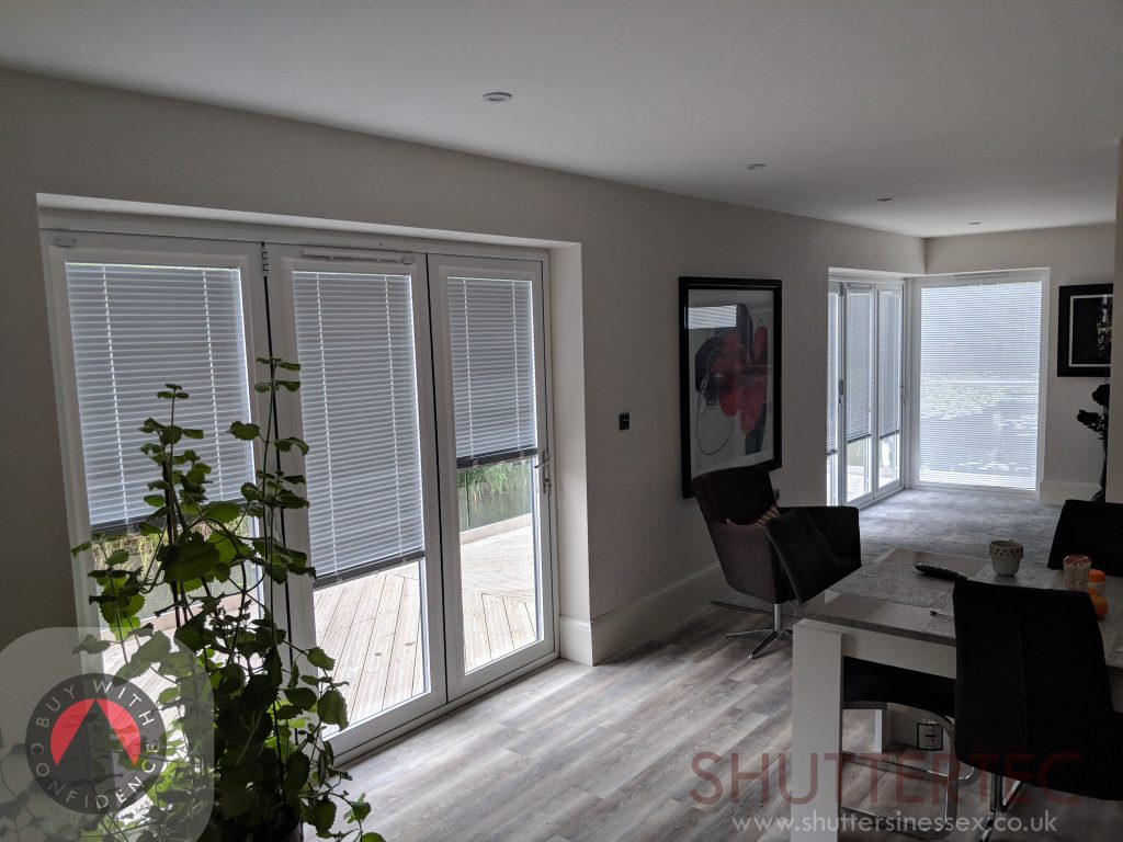 Perfect fit white venetians