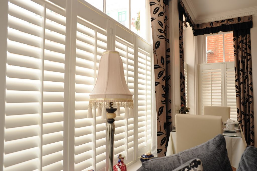 cafe style shutters for sash windows
